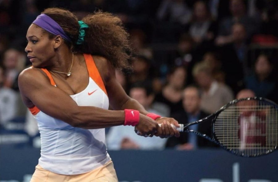 Serena+Williams+prepares+to+send+the+tennis+ball+back+across+the+court+at+the+exhibition+event+at+the%0ABNP+Parabas+Showdown.+Williams+has+been+in+the+news+recently+following+the+controversial+rulings%0Aagainst+her+by+a+referee+at+the+U.S.+Open+Final%2C+which+many+have+deemed+sexist+and+discriminatory.