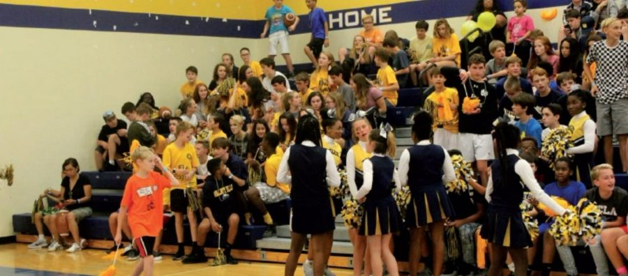 Students gathered in the gym for the annual junior high fall pep rally. Students celebrated their student-athlete classmates and got excited for the season with the help of the Junior High Cheerleading team.