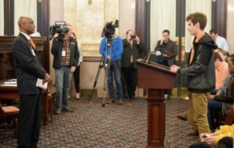 Matthew Youkilis, '19, addresses State Senator Cecil Thomas at the Ohio statehouse in Columbus. Thomas represent's Ohio's 9th district, he was receptive to new ideas from the students.