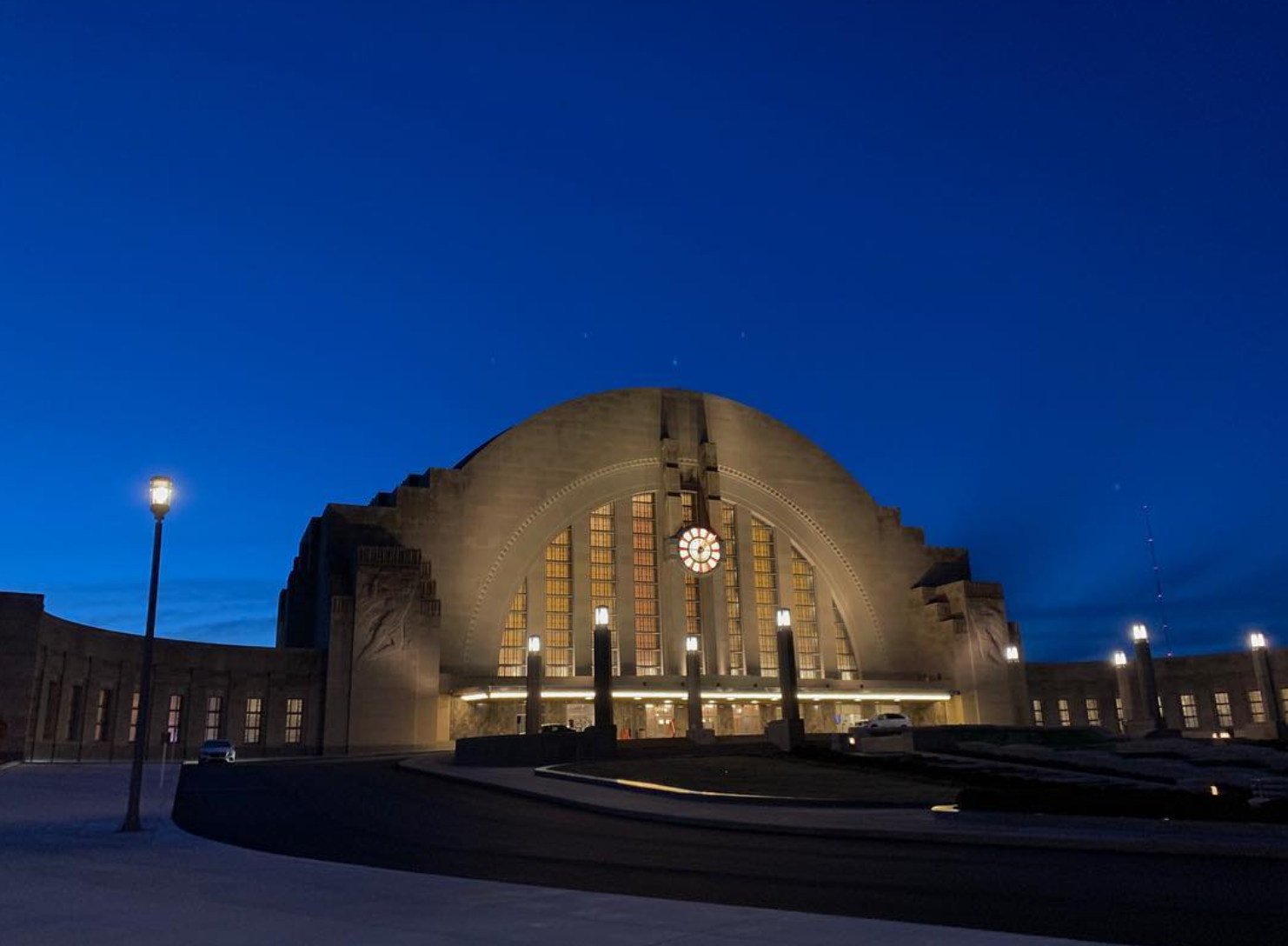 Wednesday's clear skies left Union Terminal, one of Cincinnati's most historic sites glowing this week. 😍🌠 Five of our Walnut SENIORS will be traveling to Poland and Israel this spring with March of the Living, a trip dedicated to holocaust education and remembrance. If you're looking for a rainy day activity this weekend, or are in the mood to learn we highly recommend a trip to Union Terminal's brand new Holocaust & Humanity Center! photo by: @emmheines