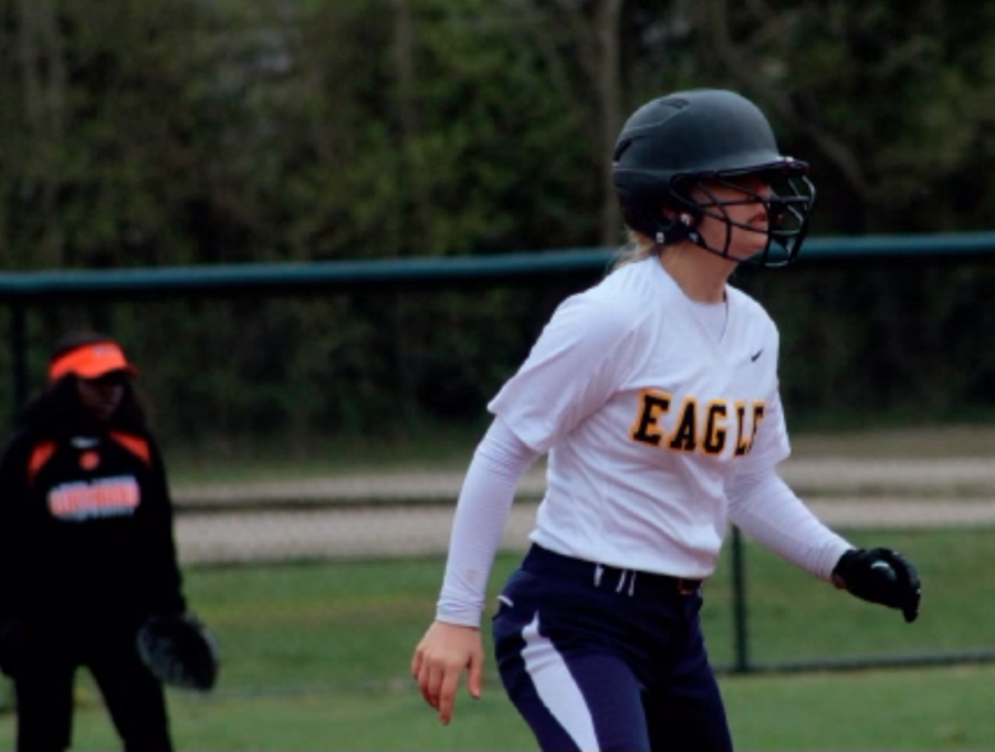 The+softball+program+looks+ahead+with+the+new+leadership+of+Coach+Jayma+George.+The+girls+start+their+season+March+23+against+McNicholas+High+School.++