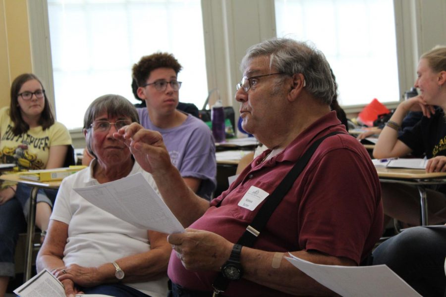 "Norman Slutsky, '69, participates in a discussion of Sherman Alexie's ""The Joy if Reading and Writing: Superman and Me"" in Dawn Wolfe's AP Lang. Human Rights class."