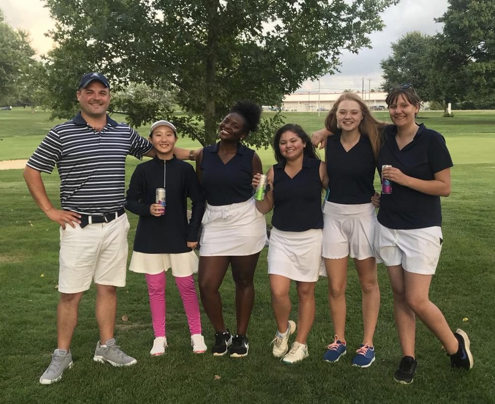 Coach Ward, Meiyi Wu '23, Rhyan Nunn ' 21, Lola Gutierrez '21 and SENIORS Mara Doyle and Kate Greater celebrate after a strong performance.